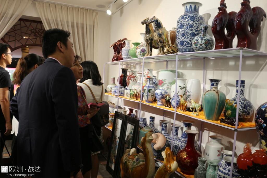 景德镇精品陶瓷艺术展在巴黎成功举行!