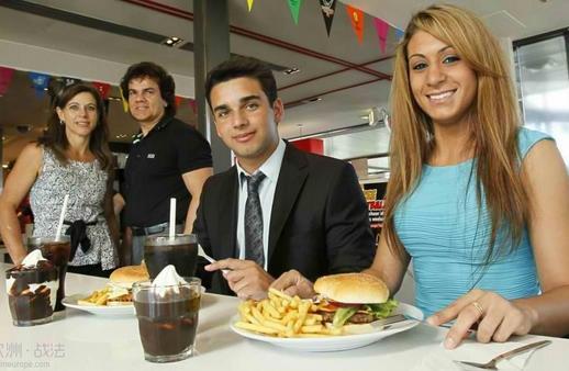 法国麦当劳将为顾客提供刀叉餐具吃汉堡